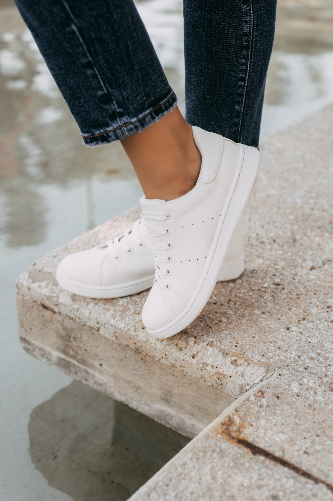 antithesis-clothing-sneakers-basic-leuka (3)