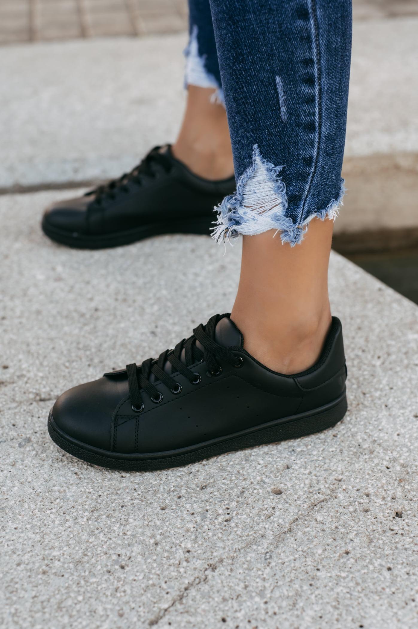 antithesis-clothing-sneakers-basic-mavra (1)