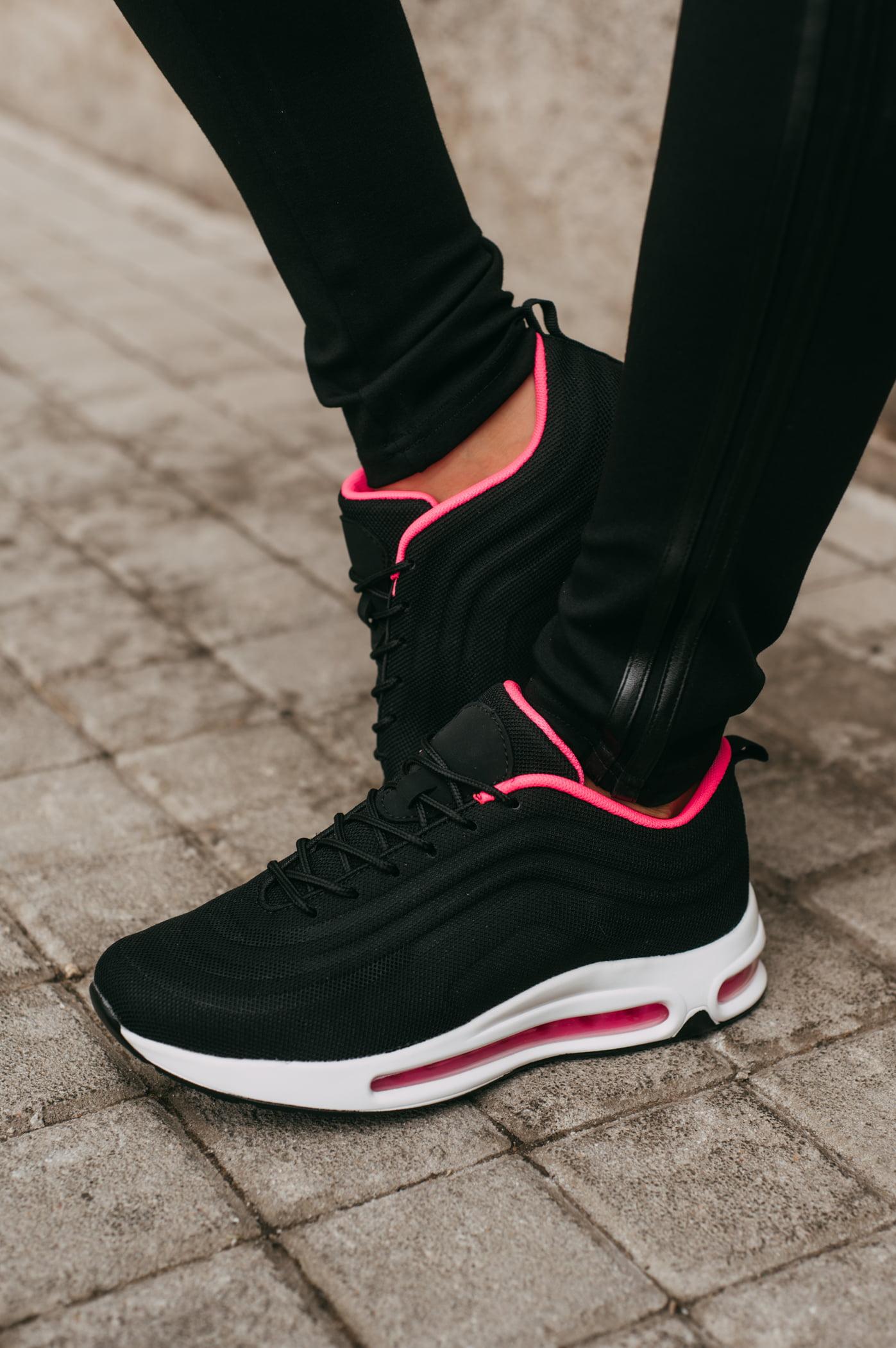antithesis-clothing-sneakers-mavra-me-aerosola (3)