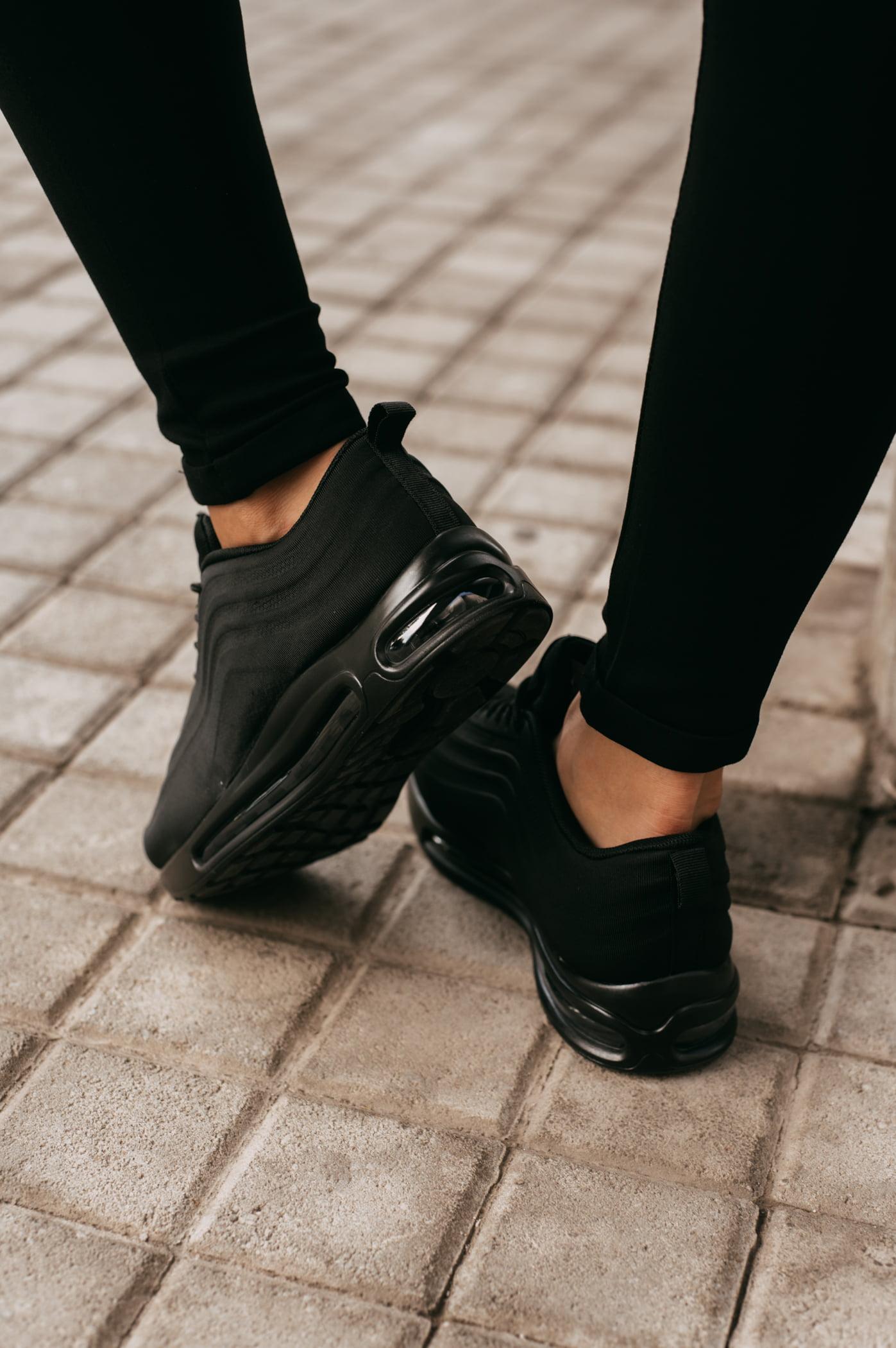 antithesis-clothing-sneakers-se-sindiasmo-ilikon-mavro (1)