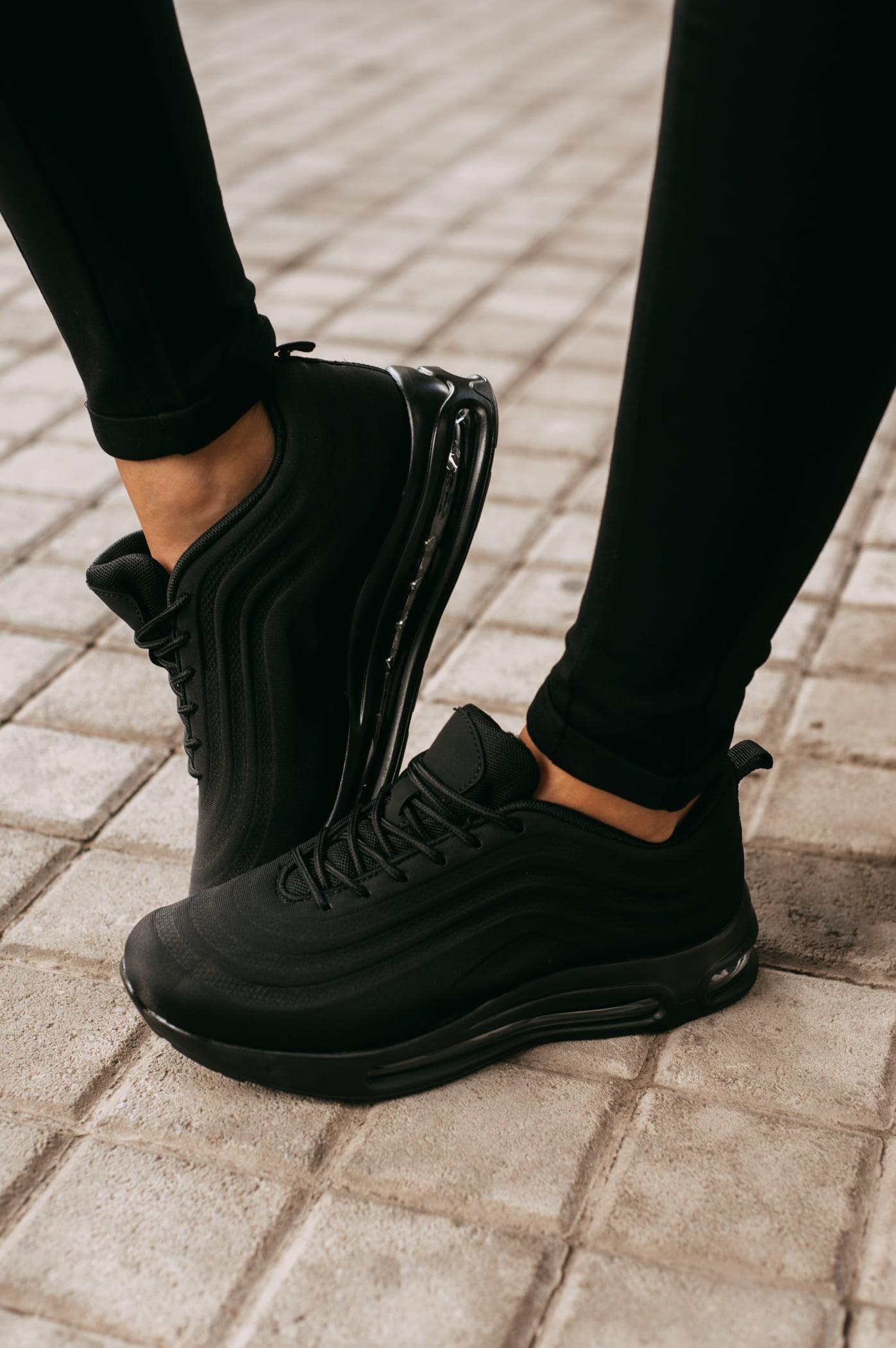 antithesis-clothing-sneakers-se-sindiasmo-ilikon-mavro (2)